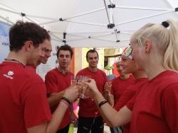 OMT group firemní štafety - oslava vítězství