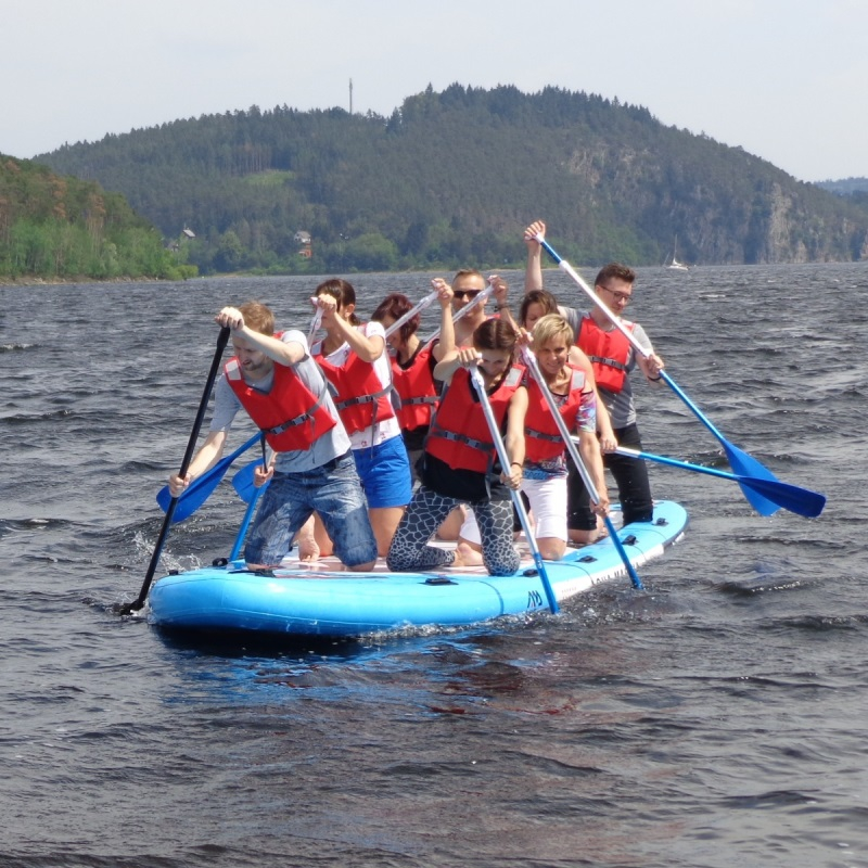 MEGA STAND UP PADDLEBOARD FOR YOUR TEAM BUILDING