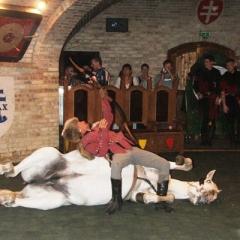 středověká hostina s programem
