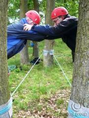 Nízké lanové překážky - teambuilding