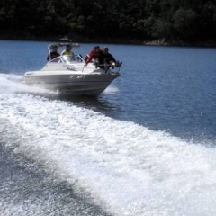 speedboats riding